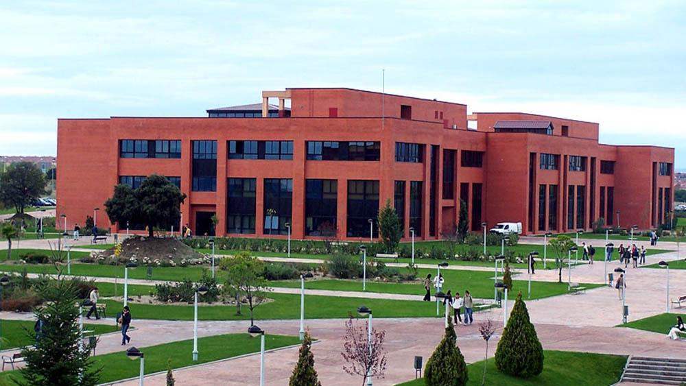 """Universidad Alfonso X el Sabio Space - Explorer """"Jóvenes con Soluciones"""""""