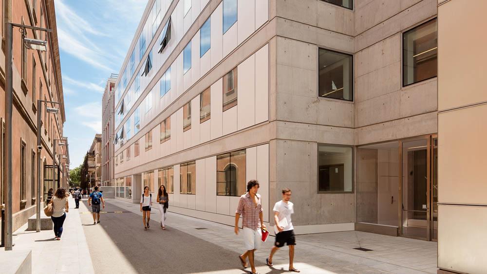Universitat Pompeu Fabra Space 2